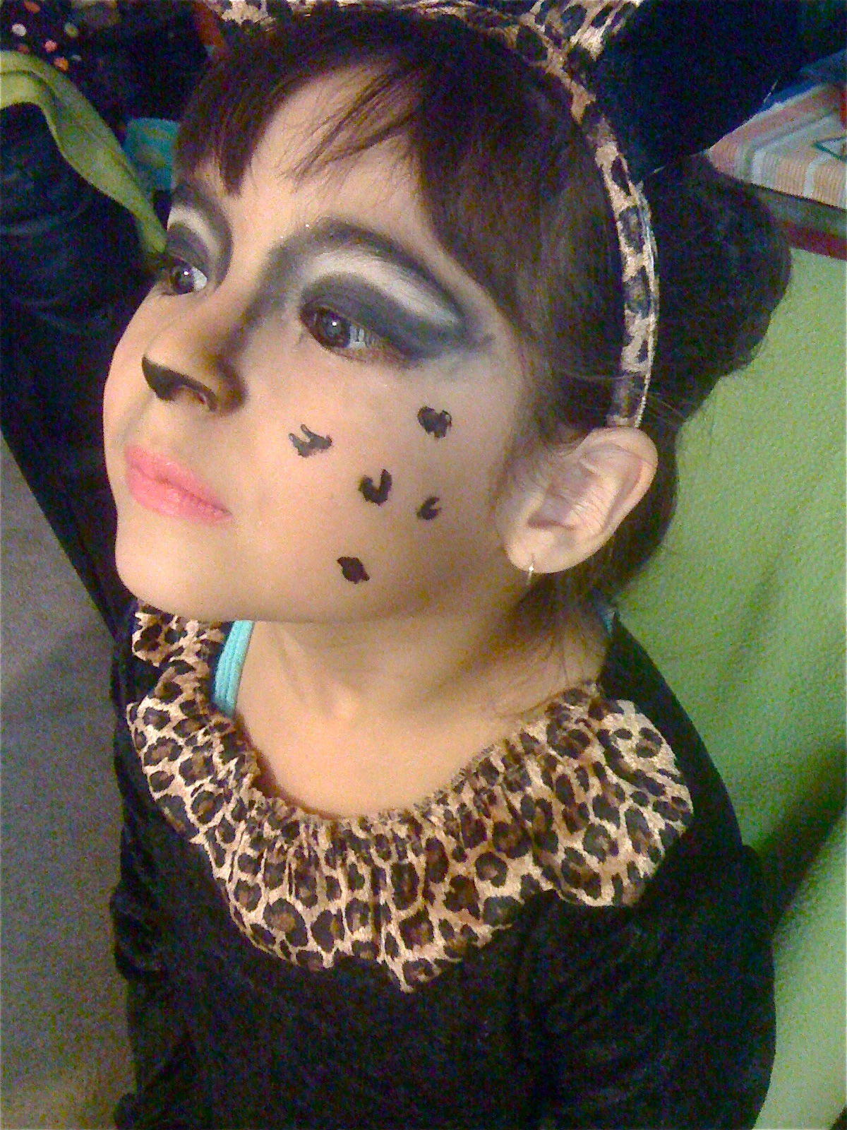 Cheetah Costume Makeup http://runwayorthehighway.wordpress.com/2011/10/31/cute-cheetah-for-halloween/